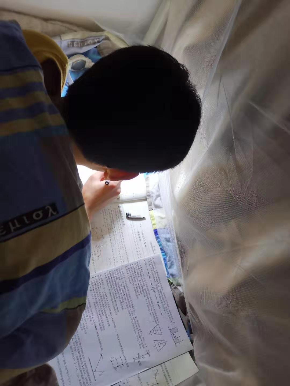 杭州中考复读,再次出航为明日,挑灯夜读且自知